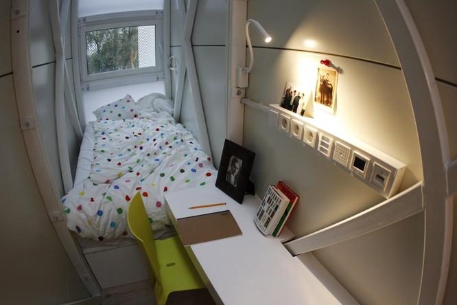 Cuộc sống trong những căn nhà siêu nhỏ khắp nơi trên thế giới ảnh 17