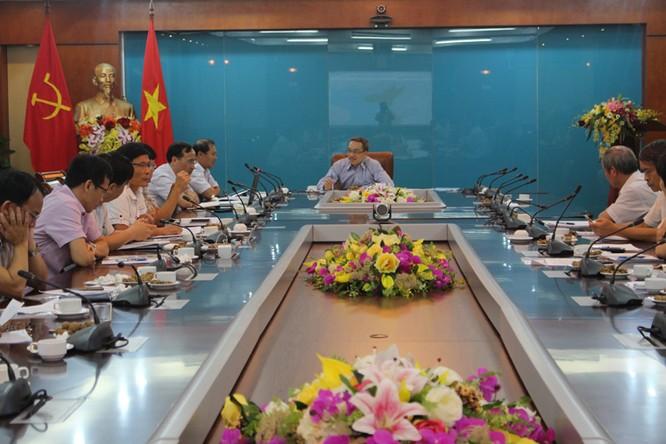 Thứ trưởng Bộ TT&TT Phan Tâm chủ trì phiên họp