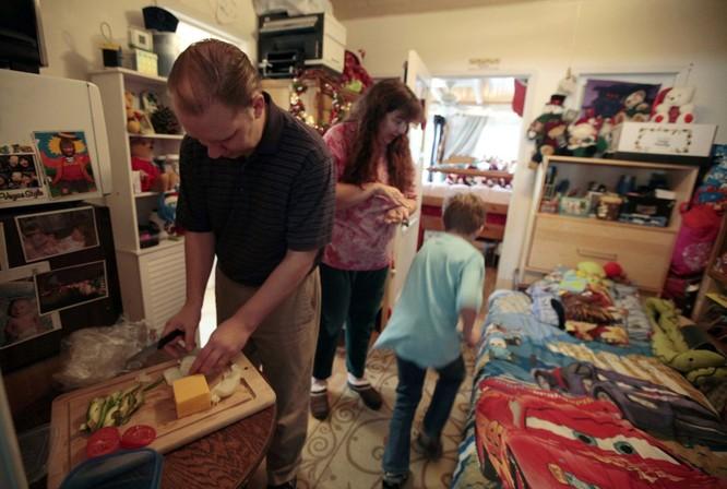 Cuộc sống trong những căn nhà siêu nhỏ khắp nơi trên thế giới ảnh 5