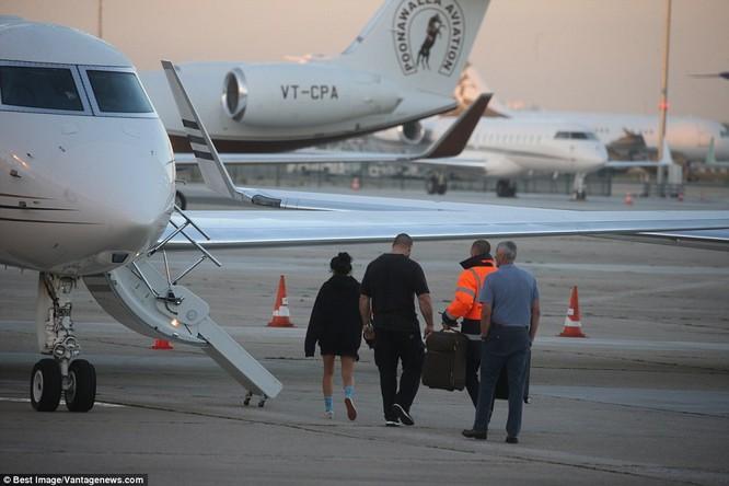 Kim Kardashian bị dí súng vào đầu, cướp 11 triệu USD nữ trang ảnh 7