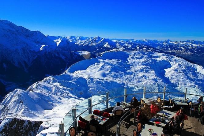 """Top 23 nhà hàng có """"view"""" đẹp nhất thế giới ảnh 12"""