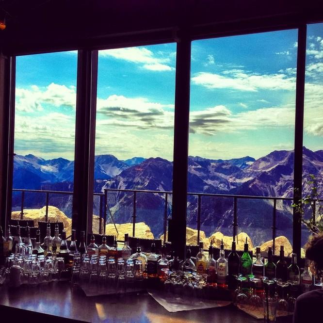 """Top 23 nhà hàng có """"view"""" đẹp nhất thế giới ảnh 4"""