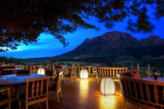 """Top 23 nhà hàng có """"view"""" đẹp nhất thế giới ảnh 5"""