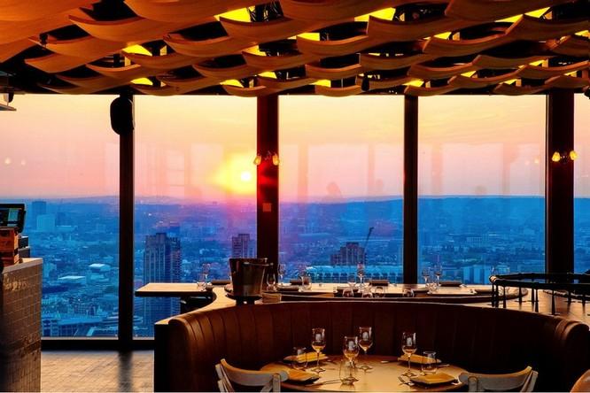 """Top 23 nhà hàng có """"view"""" đẹp nhất thế giới ảnh 8"""