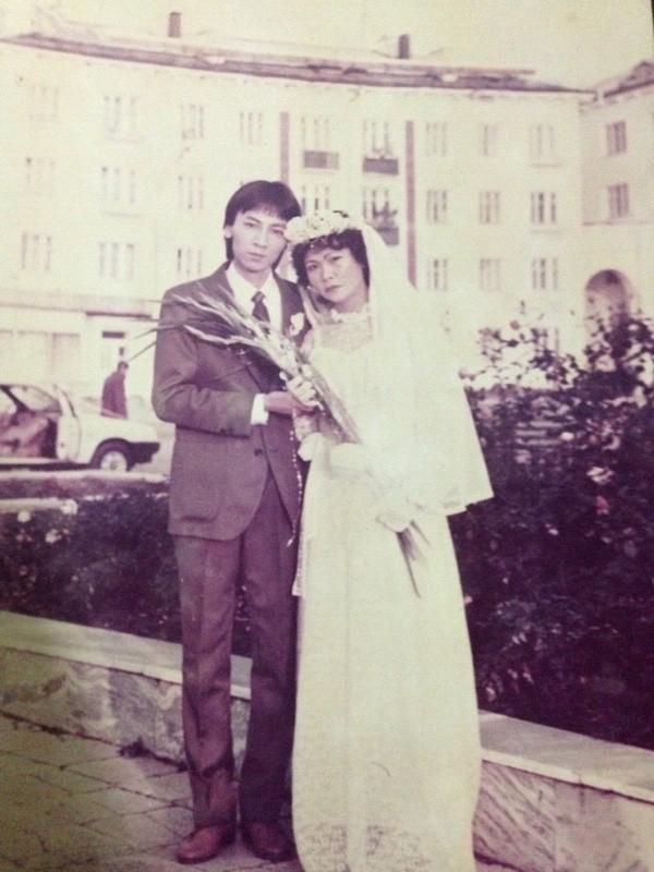 Bồi hồi ngắm lại những tấm ảnh cưới 20 năm có lẻ ảnh 2