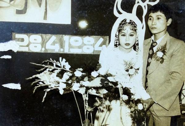 Bồi hồi ngắm lại những tấm ảnh cưới 20 năm có lẻ ảnh 15