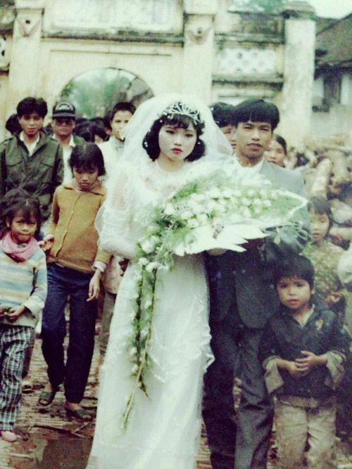 Bồi hồi ngắm lại những tấm ảnh cưới 20 năm có lẻ ảnh 7
