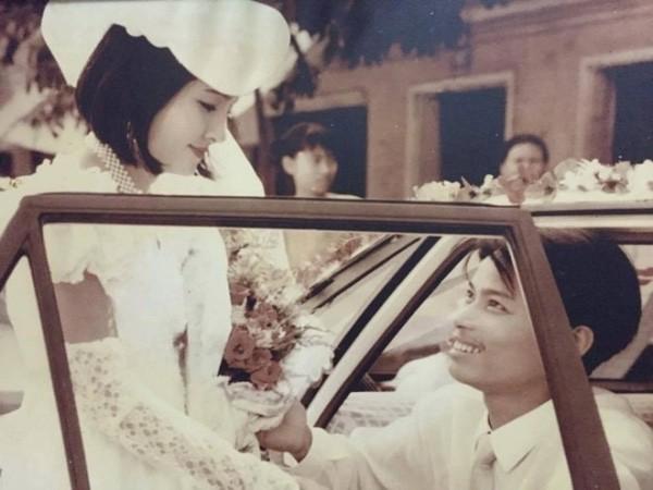 Bồi hồi ngắm lại những tấm ảnh cưới 20 năm có lẻ ảnh 20