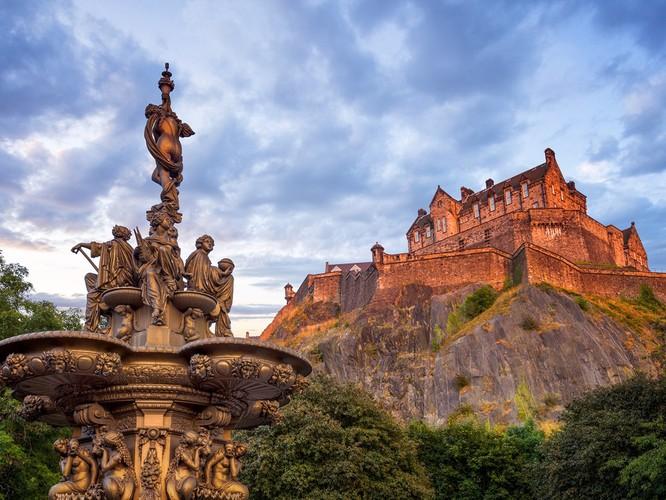 10 tòa lâu đài giới săn ma ước được đến một lần ảnh 5