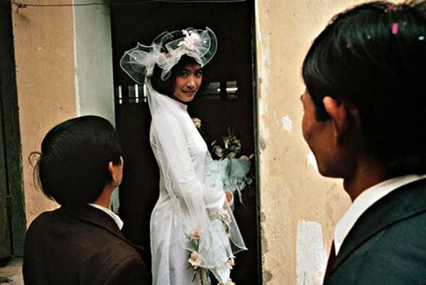 Bồi hồi ngắm lại những tấm ảnh cưới 20 năm có lẻ ảnh 9