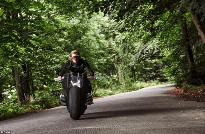 BMW ra mắt xe máy tự cân bằng siêu hiện đại ảnh 8