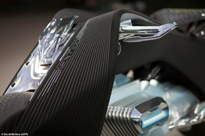 BMW ra mắt xe máy tự cân bằng siêu hiện đại ảnh 10