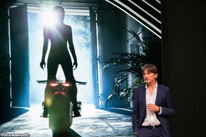 BMW ra mắt xe máy tự cân bằng siêu hiện đại ảnh 11