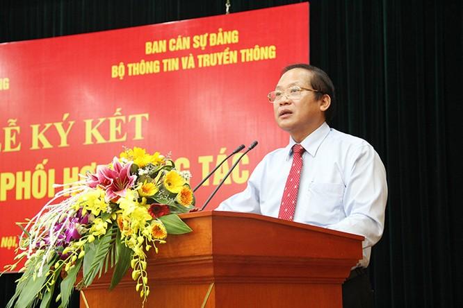 Ban cán sự Đảng Bộ TT&TT và Đảng ủy Khối DN TƯ ký kết quy chế phối hợp công tác ảnh 1