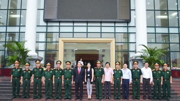 Bộ trưởng Trương Minh Tuấn tặng phim tài liệu cho Học viện Chính trị-Bộ Quốc phòng ảnh 2