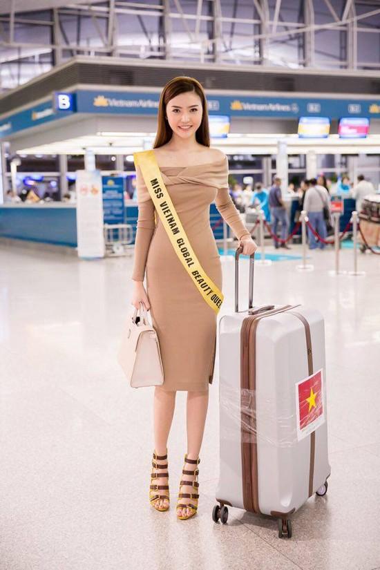 Video: Ngắm nhan sắc hotgirl Việt vừa đăng quang Nữ hoàng sắc đẹp toàn cầu 2016 ảnh 1