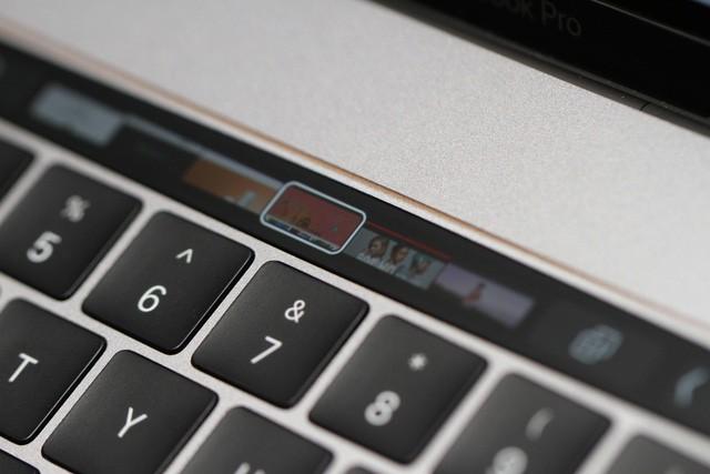 Đánh giá thanh Touch Bar mới của MacBook Pro 2016: Đẹp nhưng chưa thực sự hữu ích ảnh 2