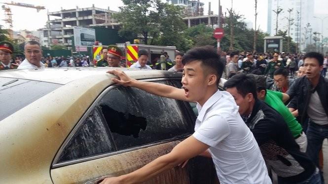 13 người chết cháy ở Cầu Giấy, Thủ tướng yêu cầu khẩn trương tìm người mắc kẹt ảnh 3