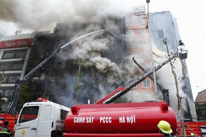 13 người chết cháy ở Cầu Giấy, Thủ tướng yêu cầu khẩn trương tìm người mắc kẹt ảnh 1