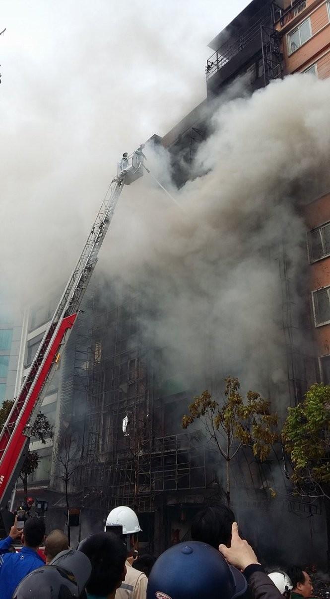 13 người chết cháy ở Cầu Giấy, Thủ tướng yêu cầu khẩn trương tìm người mắc kẹt ảnh 4