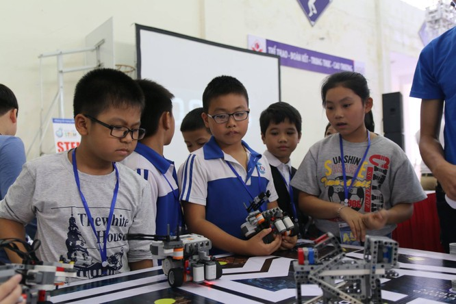 """65 đội """"kỹ sư robot"""" nhí giành vé dự thi quốc tế tại Malaysia ảnh 5"""
