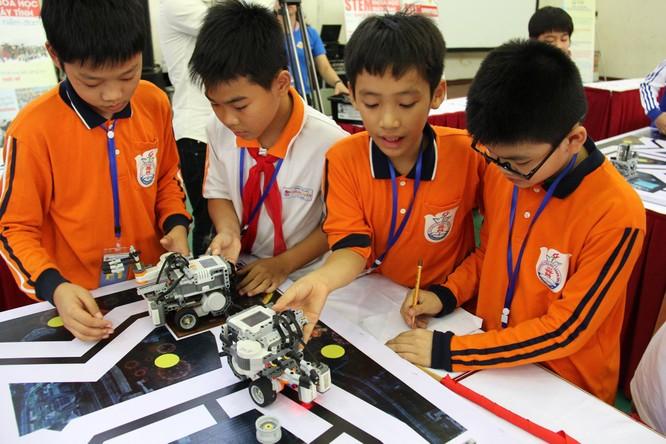 """65 đội """"kỹ sư robot"""" nhí giành vé dự thi quốc tế tại Malaysia ảnh 7"""