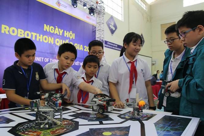 """65 đội """"kỹ sư robot"""" nhí giành vé dự thi quốc tế tại Malaysia ảnh 2"""