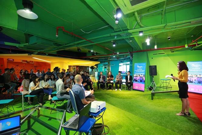 """Talkshow """"Khởi nghiệp trong ngành nội dung giải trí số"""" vừa được Hiệp hội Internet Việt Nam chủ trì tổ chức tại Hanoi Creative City (Ảnh VIA cung cấp)"""