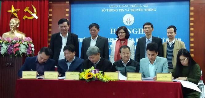 Trong sáng nay (29/11), 5 nhà mạng gồm Viettel, Vinaphone, Mobifone, Gtel và Vietnamobile tại Hà Nội đã ký cam kết với Sở Thông tin và Truyền thông Hà Nội về việc kiểm tra, thu hồi và xử lý các sim kích hoạt sẵn của các nhà mạng, hoàn thành trước 30/12/2016.