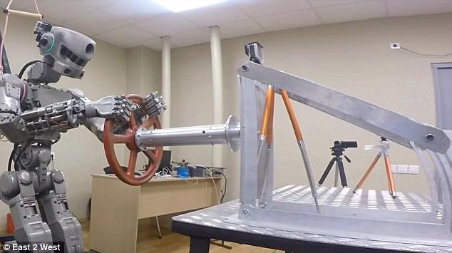 Choáng với các Robot Nga chuẩn bị chinh phục mặt trăng ảnh 5