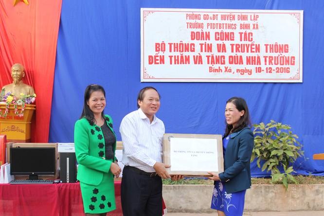 Bộ trưởng Trương Minh Tuấn thăm hỏi, động viên CBCS và nhân dân trên địa bàn huyện Đình Lập ảnh 7