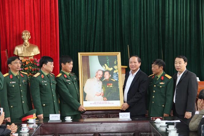 Bộ trưởng Trương Minh Tuấn thăm hỏi, động viên CBCS và nhân dân trên địa bàn huyện Đình Lập ảnh 1
