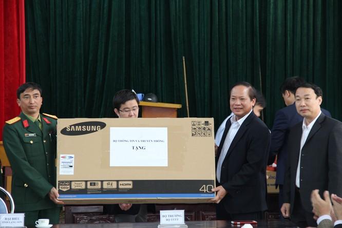 Bộ trưởng Trương Minh Tuấn thăm hỏi, động viên CBCS và nhân dân trên địa bàn huyện Đình Lập ảnh 4