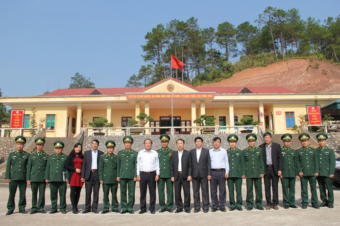 Bộ trưởng Trương Minh Tuấn thăm hỏi, động viên CBCS và nhân dân trên địa bàn huyện Đình Lập ảnh 5