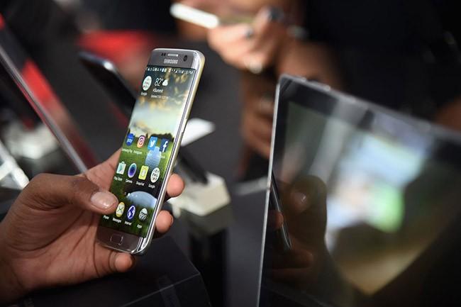 Chiếc ghế cha truyền con nối và chuyện cạnh tranh nội bộ gay gắt của Samsung ảnh 4