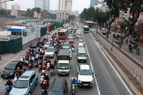 Vì sao người Việt đổ xô mua ô tô ? ảnh 1