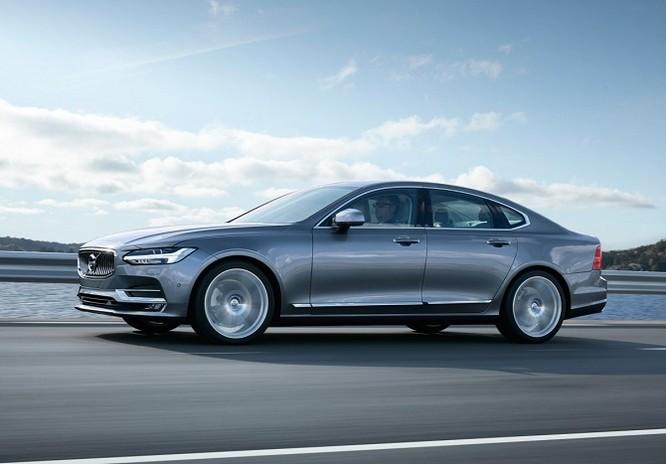 Điểm danh 9 mẫu sedan có công nghệ tiên tiến nhất 2017 ảnh 24