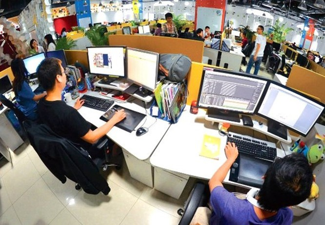 tại Hội thảo Việt Nam – Cộng hòa Séc về hợp tác trong lĩnh vực thông tin và truyền thông Ở Việt Nam hiện có 500 ngàn người làm việc trong ngành công nghệ thông tin và trong 5 năm tới sẽ phấn đấu nâng con số này lên thành 1 triệu, và ghi danh Việt Nam trong hàng ngũ top đầu thế giới về lĩnh vực này.