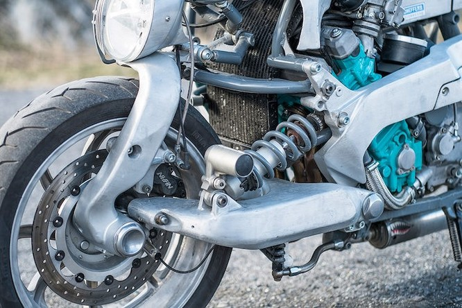 Chiêm ngưỡng xế nổ hàng thửa từ Yamaha GTS1000 ảnh 3