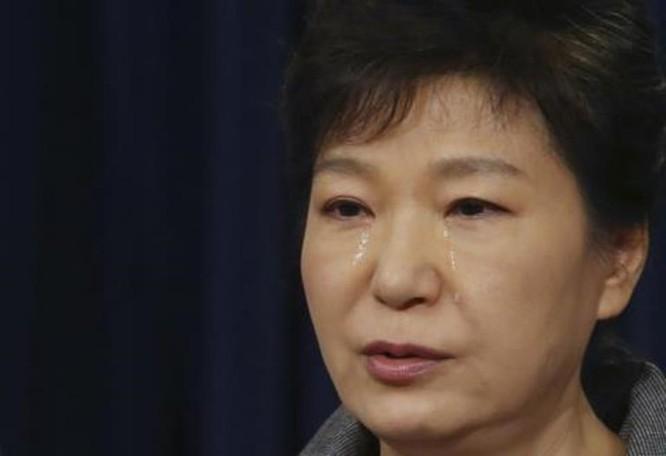 """21 bức ảnh """"biết nói"""" về nữ Tổng thống đầu tiên của Hàn Quốc ảnh 19"""