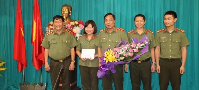 Tướng Long với các thế hệ học trò.