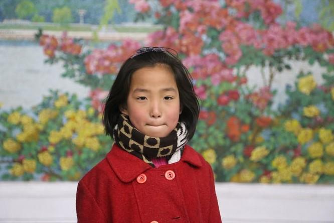Những hình ảnh hiếm hoi về cuộc sống yên bình của trẻ em Triều Tiên ảnh 6