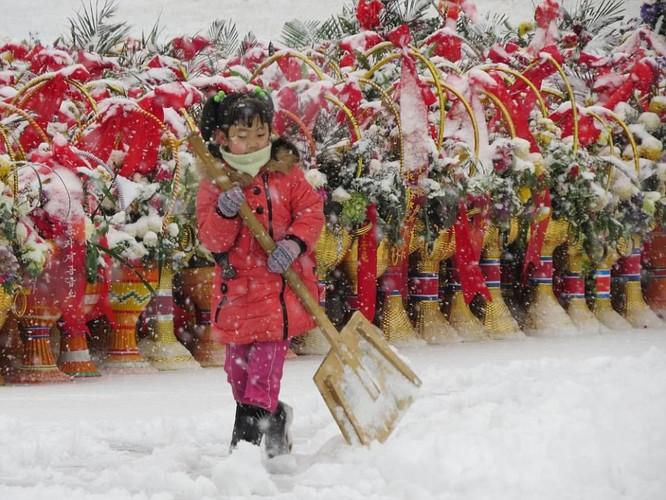 Những hình ảnh hiếm hoi về cuộc sống yên bình của trẻ em Triều Tiên ảnh 7