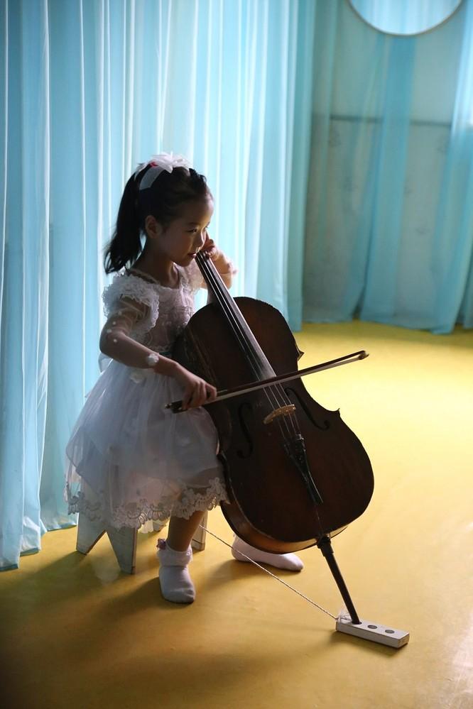 Những hình ảnh hiếm hoi về cuộc sống yên bình của trẻ em Triều Tiên ảnh 8