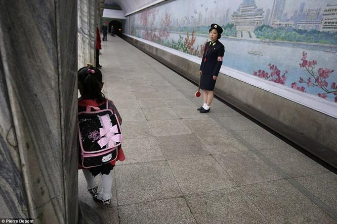 Những hình ảnh hiếm hoi về cuộc sống yên bình của trẻ em Triều Tiên ảnh 18
