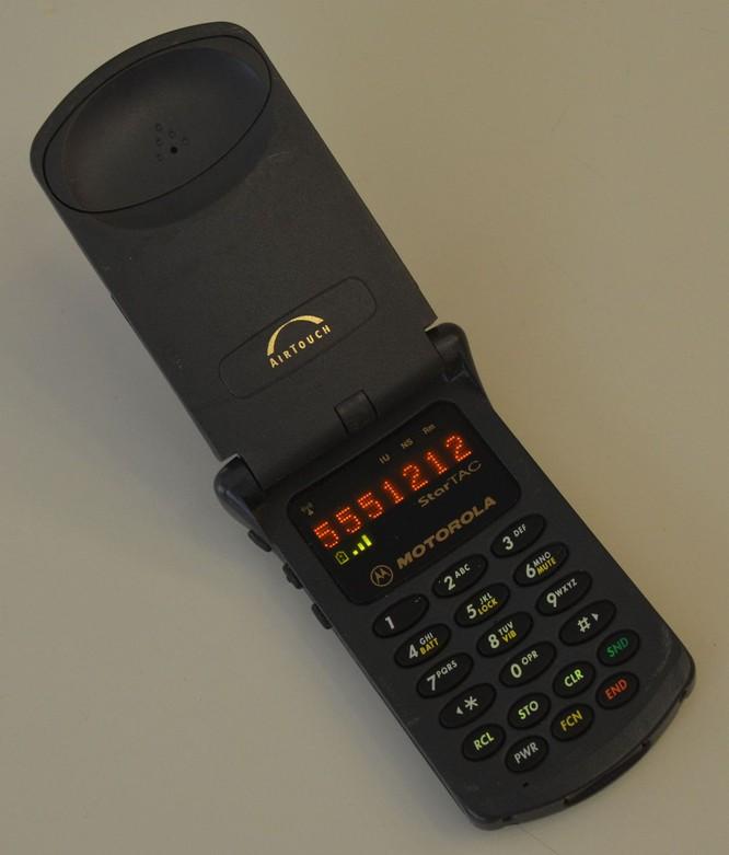 """5 mẫu điện thoại """"cổ lỗ sĩ"""" nên được hồi sinh ảnh 4"""