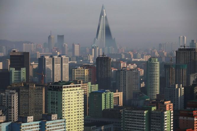 Choáng ngợp trước những công trình hoành tráng của Triều Tiên ảnh 3