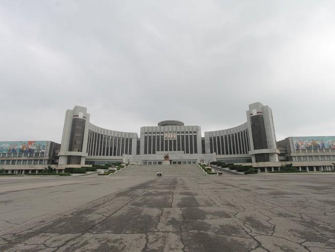 Choáng ngợp trước những công trình hoành tráng của Triều Tiên ảnh 5