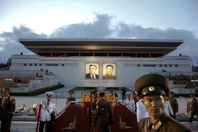 Choáng ngợp trước những công trình hoành tráng của Triều Tiên ảnh 9