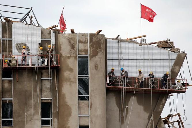 Choáng ngợp trước những công trình hoành tráng của Triều Tiên ảnh 11